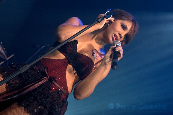 Toni Braxton pic courtesy of Flickr by Benny Chandra